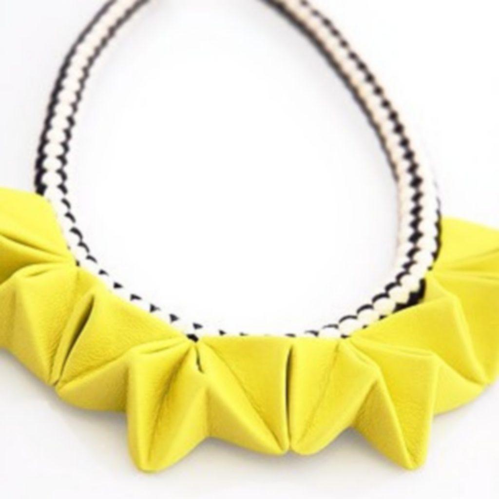 collier origami jaune soleil (3)