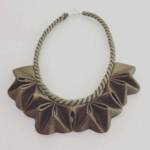 Collier cuir métallisé