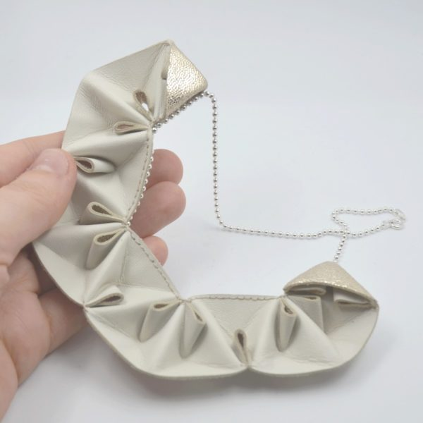 collier origami paillettes (1)